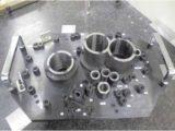 トランスミッションケースの孔位置度測定ゲージ